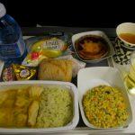 機内食の注文時、ビーフorチキン?なんて聞かれませんよね?