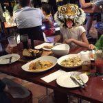 ケアンズのレストランの習慣。前菜を先に持ってきてもらいたい時は?
