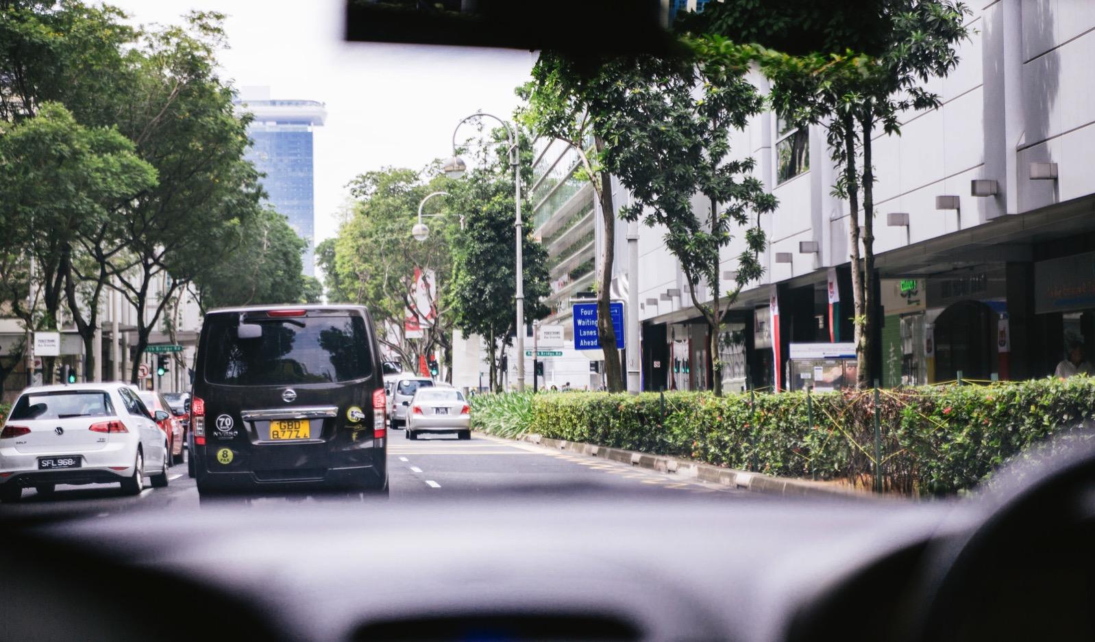 シンガポールのタクシー車中