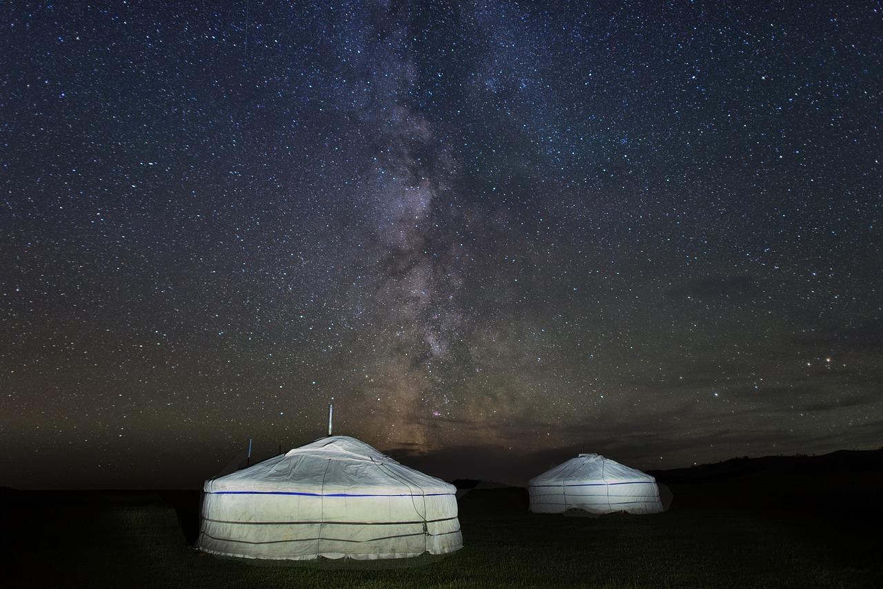 チンギスハンは源義経だという噂は、現地モンゴルでも有名な件