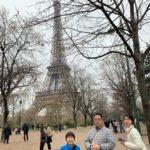【パリ家族旅行ヒント#11】エッフェル塔でユニクロコーデ