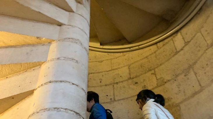 【パリ家族旅行術#30】アプリ予約必須のノートルダム大聖堂の塔