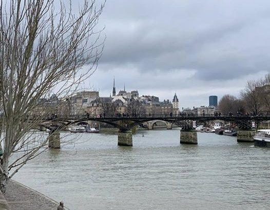 【パリ家族旅行術#29】大晦日のセーヌ川