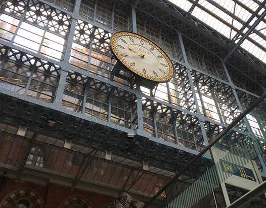 【ロンドン家族旅行術#01】セント・パンクラス駅の大時計@ロンドン
